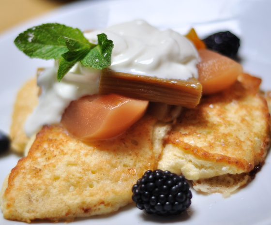 Ricotta pancakes with baked pears and figs and greek yogurt