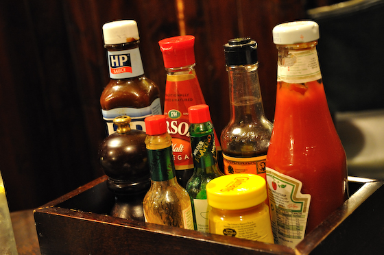 Condiment tray