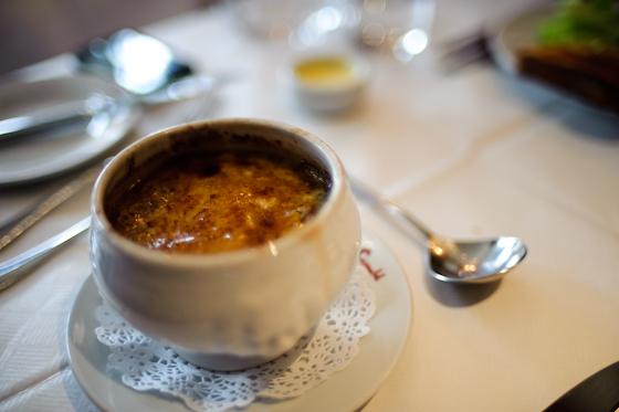 Le Cassoulet: French Onion Soup