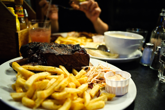 Bodeans: Beef Ribs and Chips
