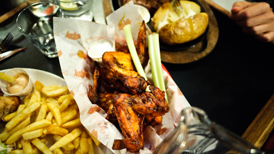 Bodeans: Hot wings