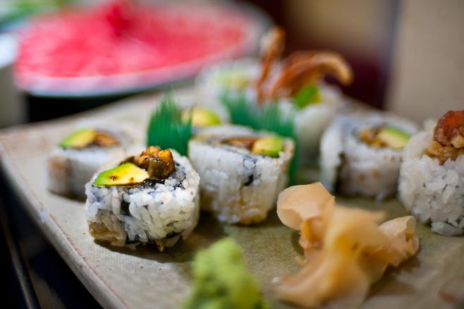 Mitsukoshi : Unagi avocado rolls